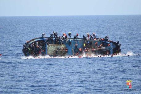 NAUFRAGIO AL LARGO DELLA LIBIA. 500 SALVI, 7 VITTIME