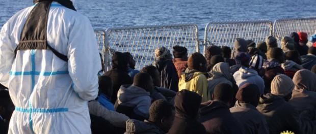 Immigrati-barcone-profughi-620x264